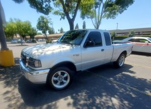 2004 Ford ranger xlt ext cab for Sale in Fresno, CA