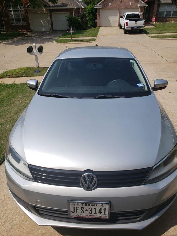 Volkswagen Jetta - 2011