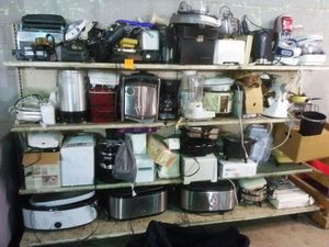 WHOLESALE APPLIANCES. $10 EACH. PICK 3 FOR $25 FOR HOME OR RESELL for Sale in University City, MO