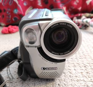 Canon ES75 Hi8 Camcorder with Color Viewfinder for Sale in Lexington, KY