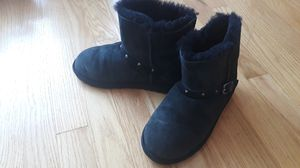 Boots for girls. Black, size 3. for Sale in Chicago, IL
