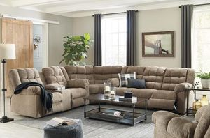 SPECIAL] Workhorse Cocoohga Reclining Sectional for Sale in Ellicott City, MD