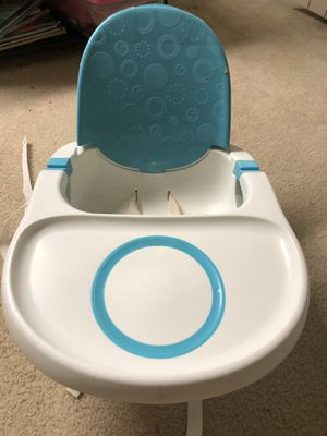 Fisher Price portable booster seat for Sale in Gaithersburg, MD