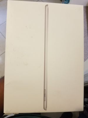 """9.7"""" Apple iPad 128 gb Silver for sale for Sale in Fort Lauderdale, FL"""