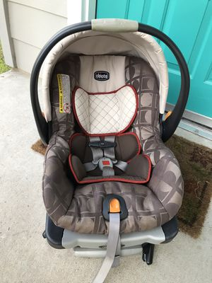 Infant Car Seat + Car seat Base CHICCO for Sale in Austin, TX