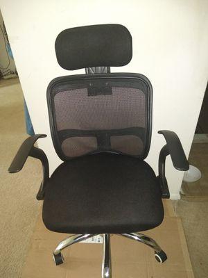 Desk chair on wheels 45.00 NE Phila available do not ask for Sale in Philadelphia, PA