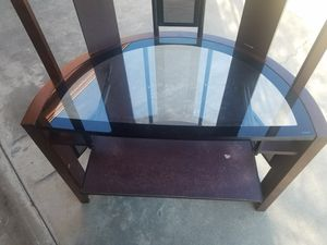 Tall computer desk with shelves for Sale in Selma, CA