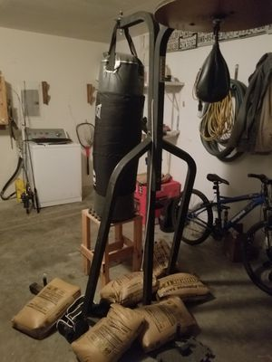 Heavy bag and speed bag combo for Sale in Hutto, TX