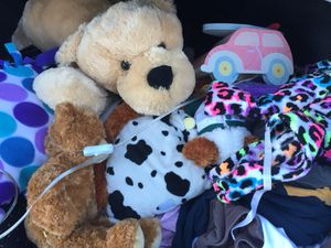 Stuffed animals, pillows, kids lamp and kids robe for Sale in Phoenix, AZ