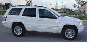 Runs Great 2004 Jeep Grand Cherokee AWDWheels for Sale in Sacramento, CA