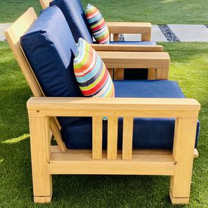 """Grade A Heavy Duty Teak Club Chairs w Brand New 7"""" Thick Sunbrella Cushions / Patio / Outdoor / Like New / Pillows NOT included for Sale in Chula Vista, CA"""