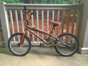 KIDS BIKE AGE 6-10 for Sale in Atlanta, GA