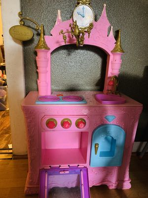 Princess castle kitchen play for Sale in Monterey Park, CA