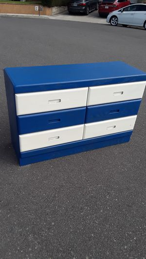 All Wood Dresser 6 drawer Lowboy for Sale in Huntington Beach, CA