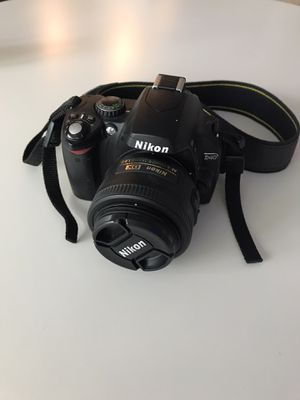 Nikon D40 with 35mm f/1.8 lens, and 18-55mm f/3.5-5.6 lens (plus accessories!) for Sale in Hillsboro, OR