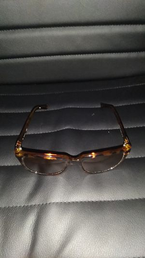 Calvin Klein sunglasses owned for 2 weeks dont want them for Sale in Los Angeles, CA