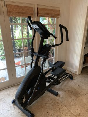 Nautilus E614 Elliptical for Sale in West Hollywood, CA