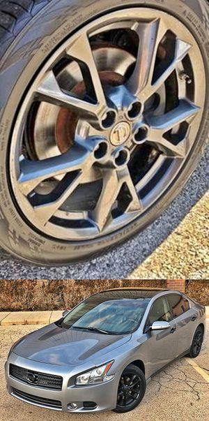 $1200 Nissan Maxima for Sale in Scottsdale, AZ