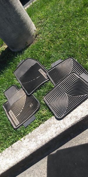 Mercury mountaineer all weather mats for Sale in Lanham, MD