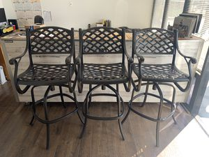 Powder coat you patio furniture cheap for Sale in Spring Valley, CA