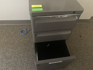 3 drawer metal filing cabinet for Sale in Farmers Branch, TX