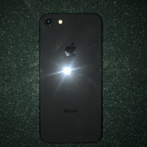 iPhone 8 for Sale in Traverse City, MI