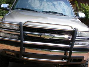 Urgent Seling Chevi 2000 Silverado Clean tittle! for Sale in New York, NY