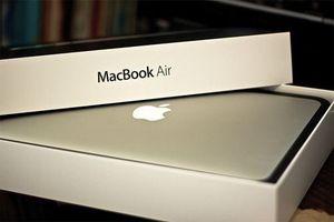 Macbook Air 13 inch, 1.6Gh. for Sale in Oakton, VA
