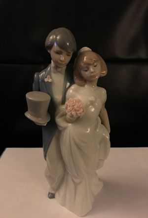 Lladro Handmade Porcelain Figurine - Wedding for Sale in Glendale, CA