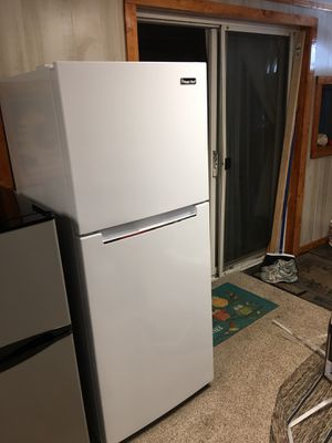 10.1 CF manic chef refrigerator for Sale in Lake Wales, FL