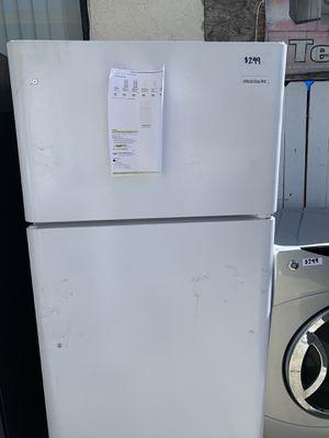 White Frigidaire top freezer fridge for Sale in Burbank, CA