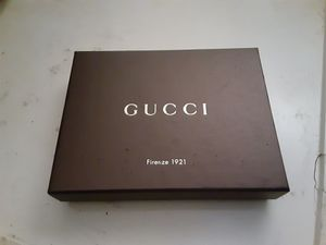 Black gucci wallet for Sale in San Francisco, CA