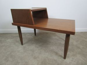 Mid Century end table / nightstand for Sale in Los Angeles, CA