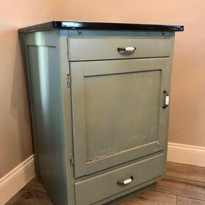 Vintage Cabinet for Sale in Orlando, FL