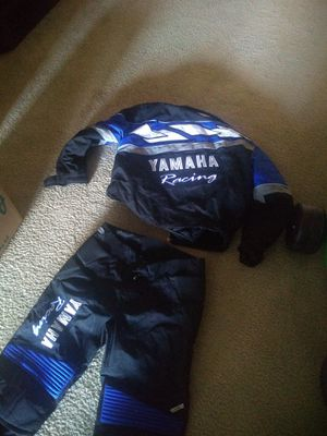 150$ Yamaha ATV motorcycle suit for Sale in Fayetteville, NC