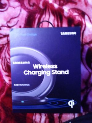 Wireless charging station for Samsung phones for Sale in Columbus, OH