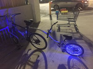 Schwinn Round About single wheel pull behind bike bicycle trailer for Sale in Miramar, FL