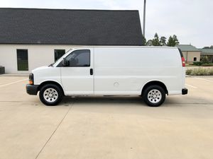 2011 Chevy Express 1500 Series Cargo Van Rear Shelving V6 Runs Great for Sale in Cypress, TX