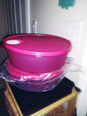 Tupperware 3 lts cada uno for Sale in Costa Mesa, CA