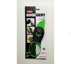 OXO Good Grips Avocado 3 in 1 Slicer, Peeler, Pit Removal Kitchen Tool for Sale in Cape Coral,  FL