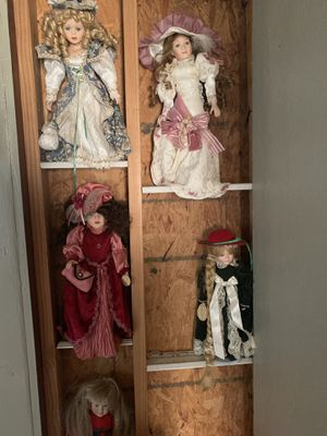 Antique dolls that use to belong to my grandmother need them gone give me your best offer. for Sale in Marksville, LA