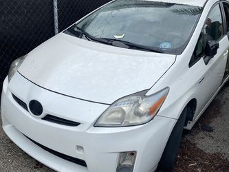 Parting out 2004-2009 Toyota Prius, Make an offer for the whole car or each part. for Sale in Pompano Beach,  FL