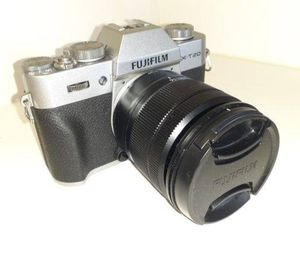 Fujifilm camera mirrorless x-t20 with 16-50mm lens for Sale in Miami, FL