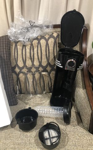 Ice Tea & Coffee Brewing System with Glass Pitcher . Please see all the pictures and read the description for Sale in Alexandria, VA
