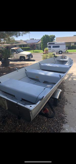 14ft aluminum boat for Sale in Phoenix, AZ