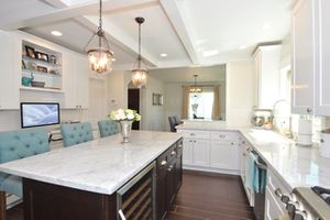 Kitchen Cabinets, Floors & Countertops - FREE DESIGN for Sale in Auburn, WA
