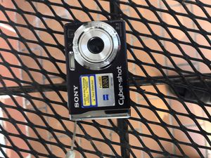 Sony digital camera no charger for Sale in Miami, FL