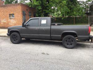 1990 Chevy Silverado extended cab 5.7 L V8 106 thousand miles minor oil leak exhaust leak runs great for Sale in Baltimore, MD