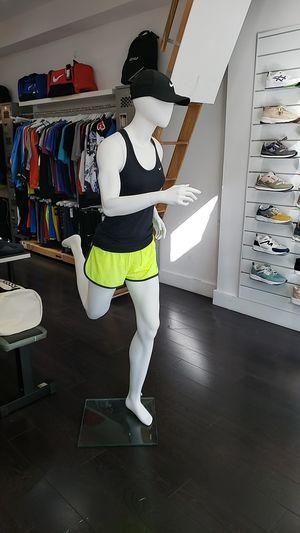 Running Mannequin Female Women White for Sale in Doral, FL