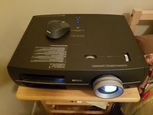 Epson pro cinema 9700UB projector for Sale in Silverton, OR